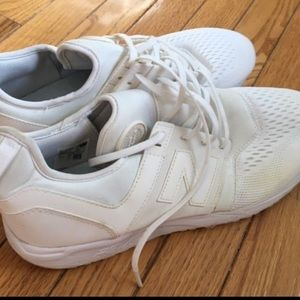 Lovely men's size 11 white new balance shoes